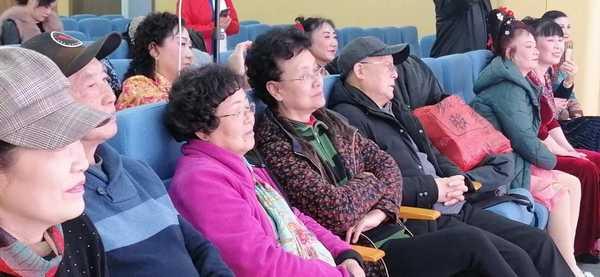 安徽省黄梅戏剧院时应远等参加戏迷汇报演出