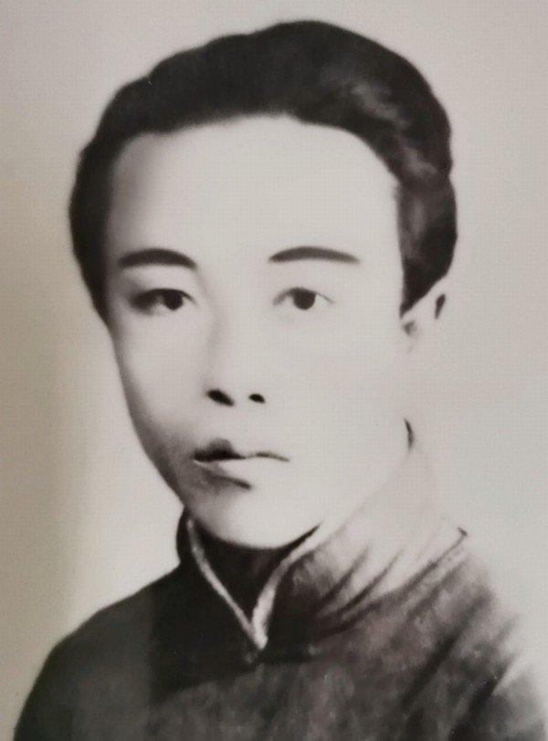 晨曦 - 黄梅戏百科网