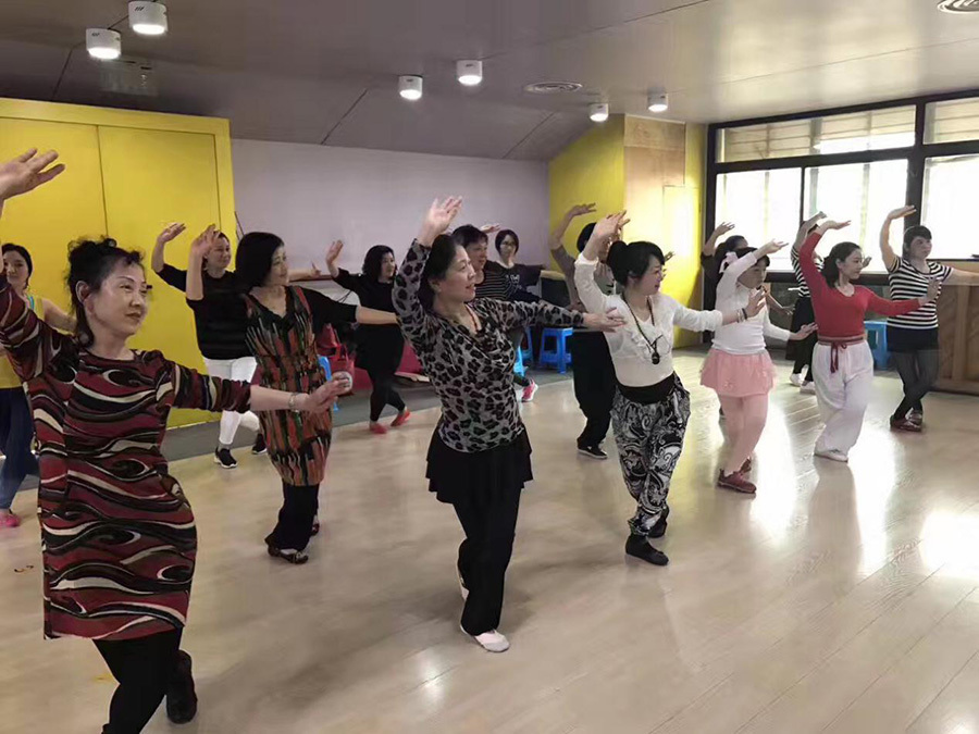 上海黄梅戏艺术团,上海黄梅戏社团,上海皖约黄梅戏剧团授课照片